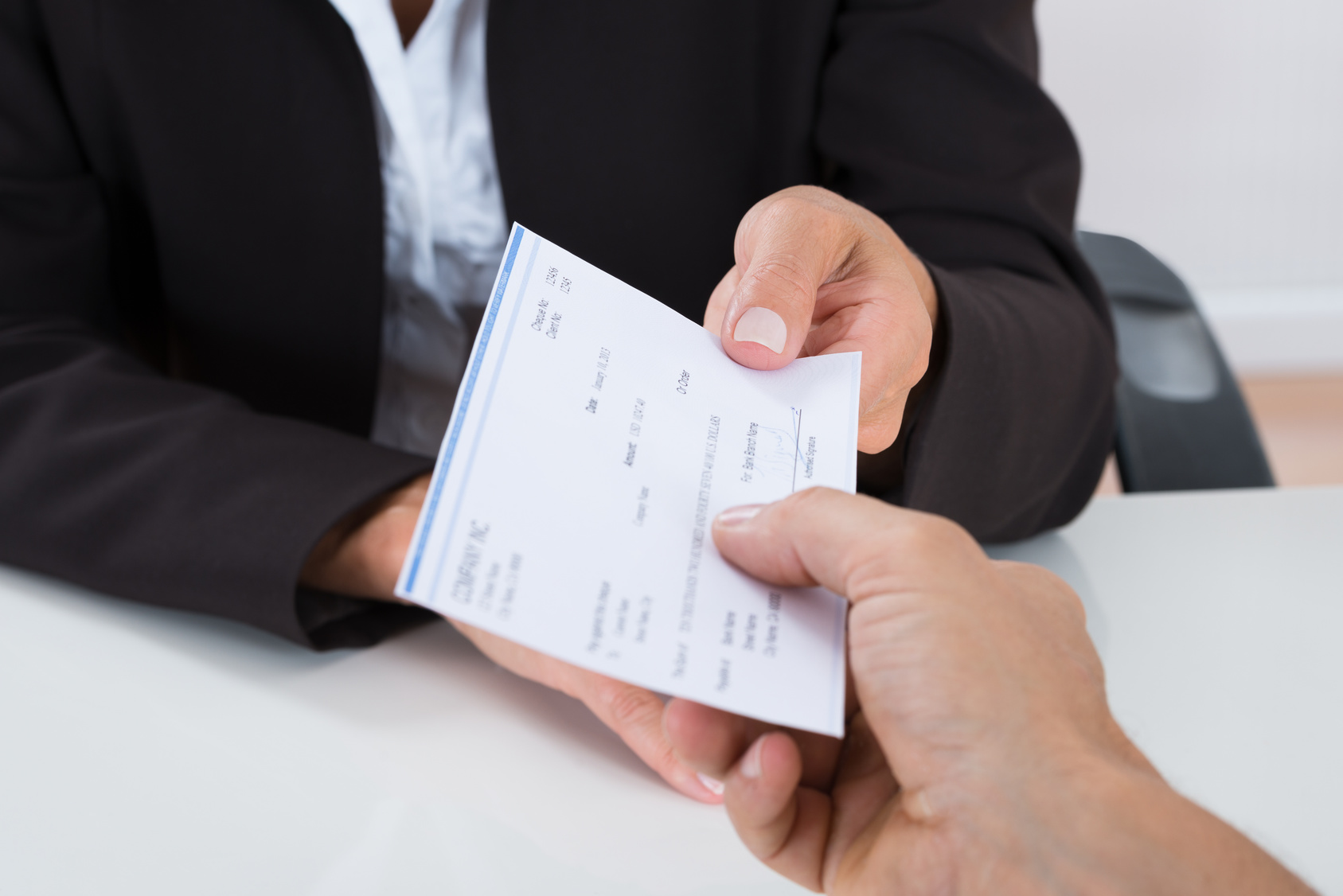Увольнение по соглашению сторон, выплаты, запись в трудовой и другие нюансы