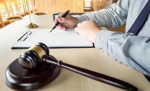 Составление и подача искового заявления на должников по ЖКХ